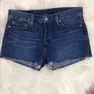 New Levi's Strauss & CO.  501 Shorts Size 28
